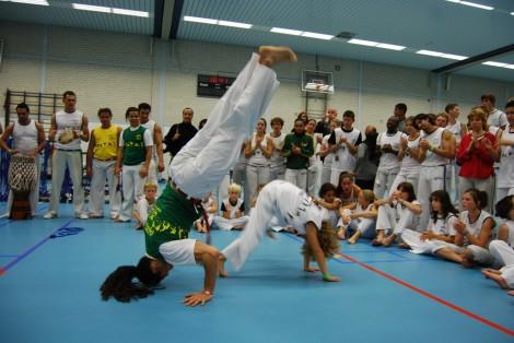 http://www.zoet.nu/pictures/_slideshow/Capoeira.jpg