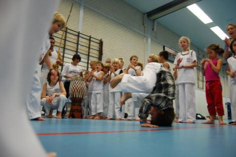 http://www.zoet.nu/pictures/_slideshow/Capoeira2.jpg