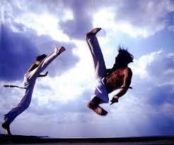 http://www.zoet.nu/pictures/_slideshow/capoeira3.jpg